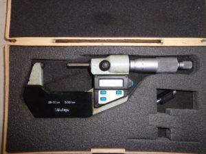 MICROMETRE DIGITAL MITUTOYO cap. 25-50 mm